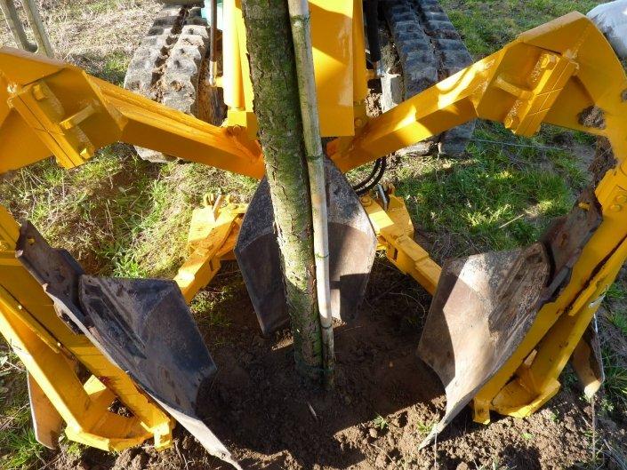 zollatrice escavatore zolla